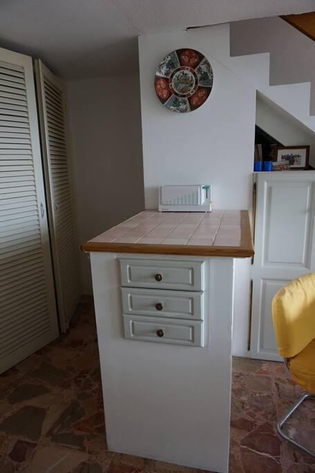 Kitchenette Cabinets