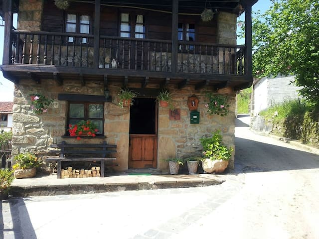 Tolles Haus in Tozo