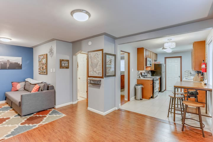 North Highlands 1BR with Easy Access to Downtown