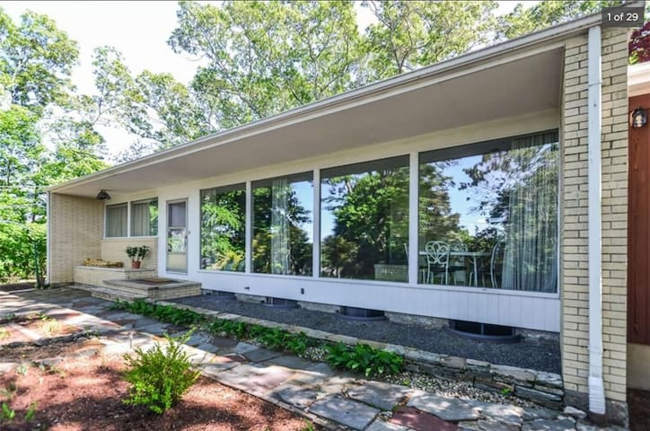 Midcentury Modern Ranch in the Woods