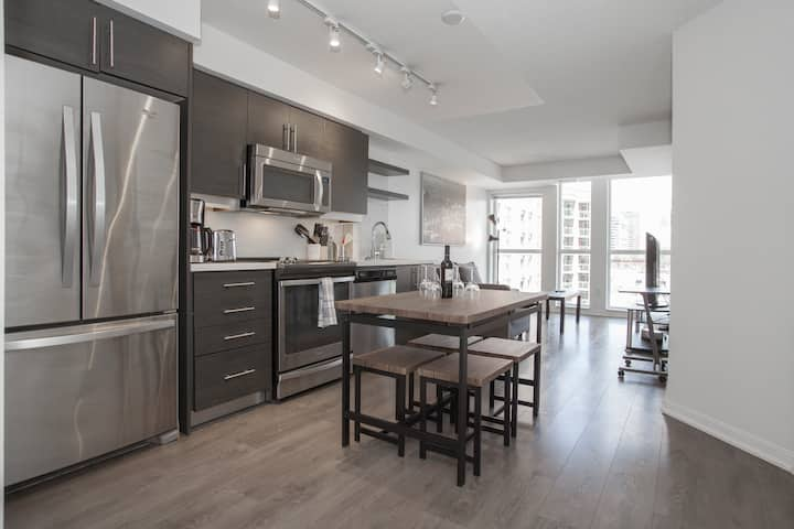 2BD+2BR Condo in St Lawrence&Distillery District