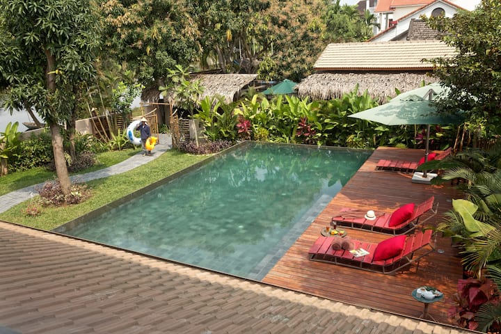Anicca Villa with private garden & swimming pool