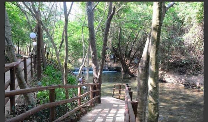Flat 217B completo com rio natural de água quente