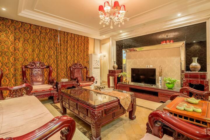 豪华中式大三房相邻 清园,龙亭,翰园碑林,天波杨府 旅安居