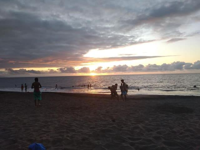 Por do sol na Praia de Ribeira da Prata