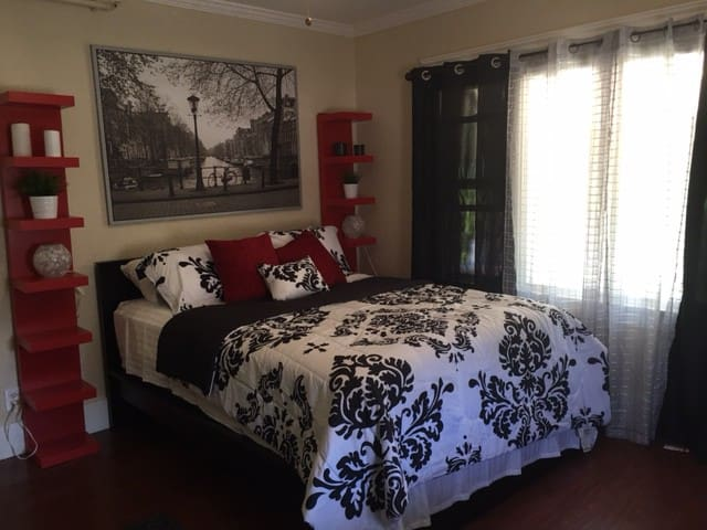 Beautiful room in Downtown San Diego - San Diego - Bed & Breakfast