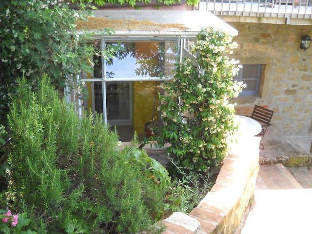 Apartment La Mimosa, La Rogaia