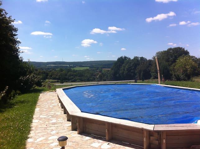 Fermette typique avec piscine - Sancerre - Hus