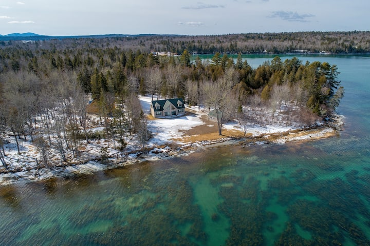 Timber Point – Secluded Waterfront Oasis
