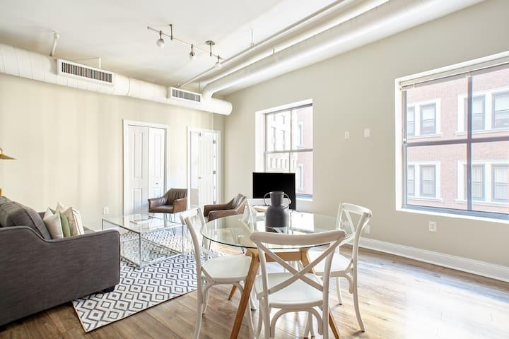 Sonder | Financial District | Modern 2BR