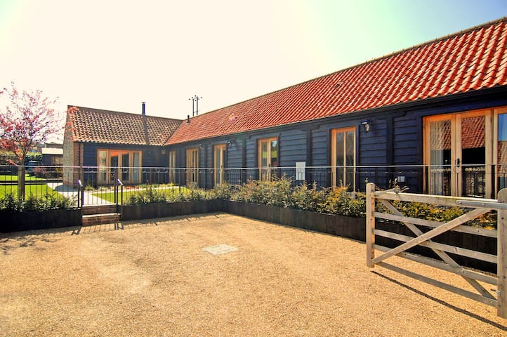 Coastal barn conversion in Salthouse North Norfolk
