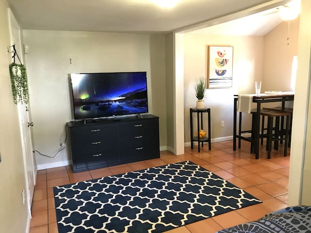 Cozy Guesthouse Getaway