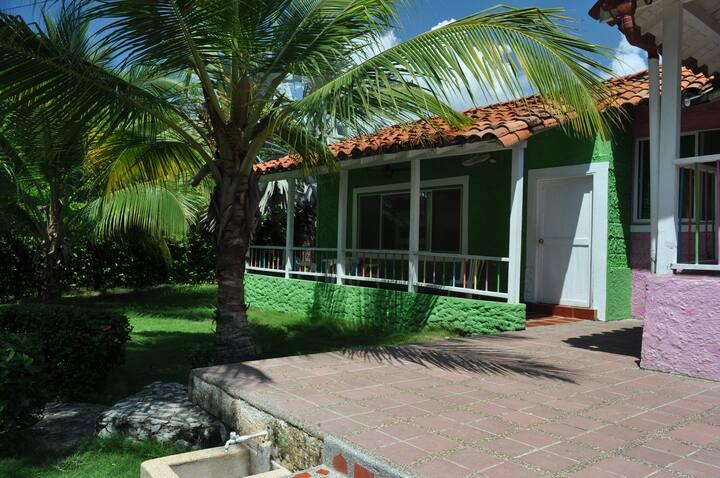 Villa Corales Cabaña Verde (16 -18  personas)