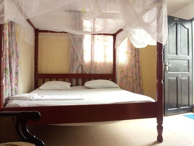Palm Breeze Hotel