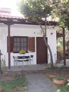 Garden house close to the beach (S) - Stavros