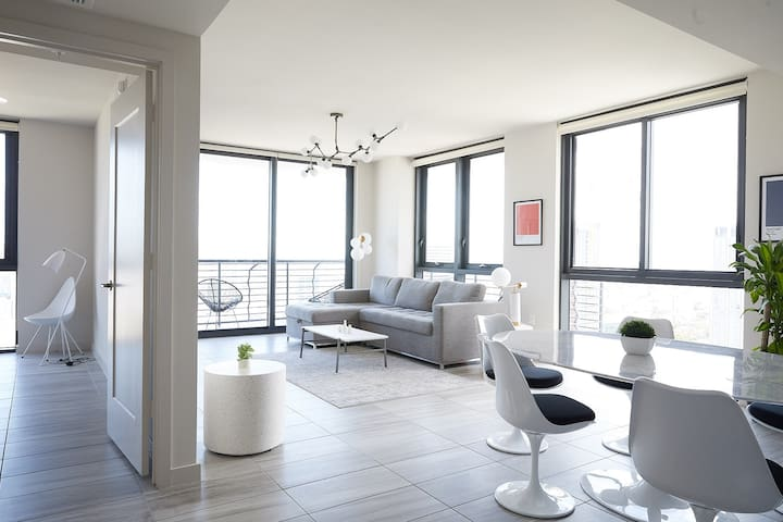 2 BR on 42nd Floor w/ City View | Downtown Miami