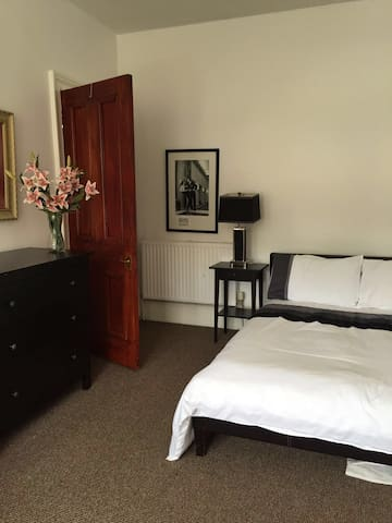 luxury accommodation near West End Room 2