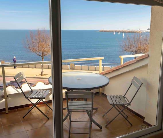 Perfecto apartamento frente al mar, piscina, Wi-Fi