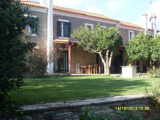 Oleander House, Styra, Evia, Greece - GR - Bed & Breakfast