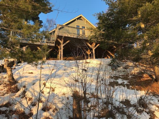 Cottage retreat on Eagle Lake