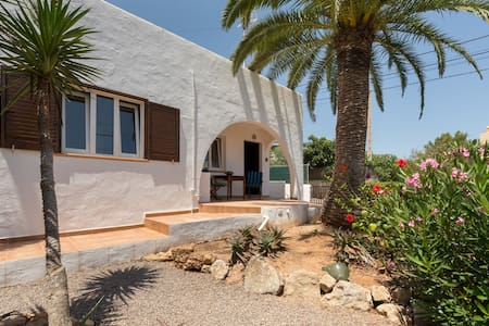 Charming small house  14m to ibiza - Ibiza
