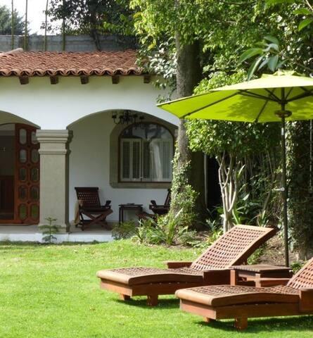 Garden Studio - Private Terrace - lomas Hipodromo - Leilighet