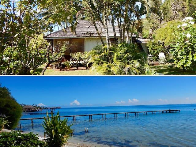 Charming Polynesian cottage facing lagoon / 1-4 p.