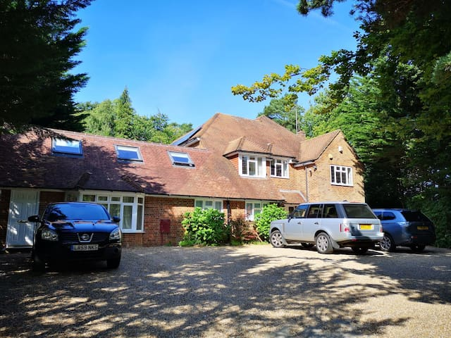 Wood End House, Bagshot - Brand New Accommodation