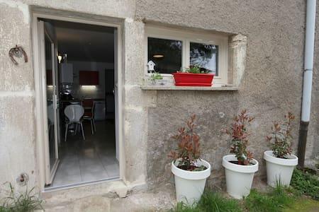 Studio Chez La Mam' - Apartment