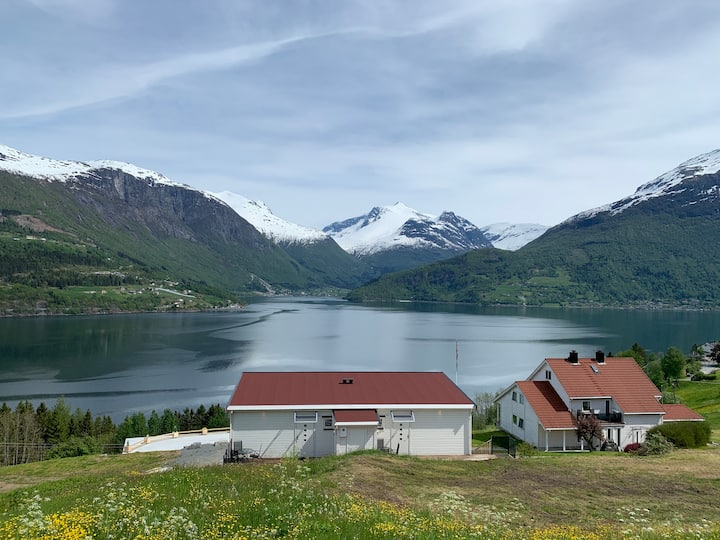 Olden Fjord Apartments - Leilighet 2