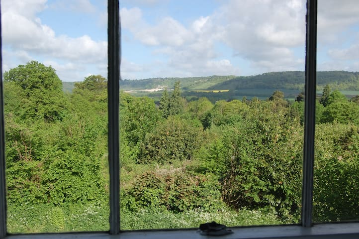 Surrey/Kent Border: Room with a View
