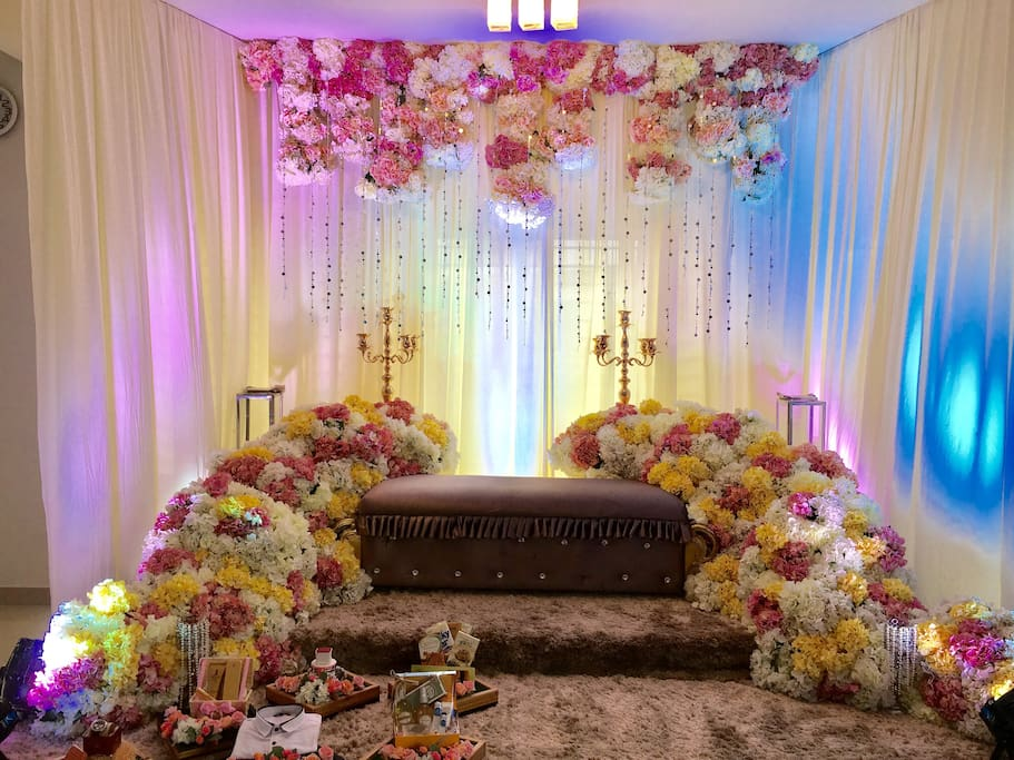 We hosted a Malay wedding event with 500 guests in this house. Guest wedding pelamin set up in this house.