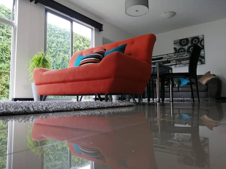 Nuevo y moderno apartamento