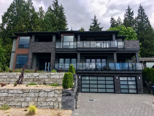 Brand New Bright and Spacious 5BR/4.5BA with Views