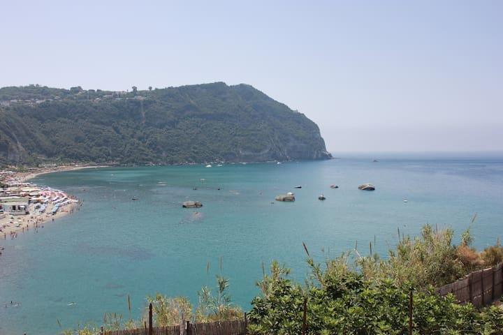 Casa sul mare a Ischia (baia di Citara)