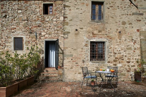 Stunning views apartment  Chianti farmhouse