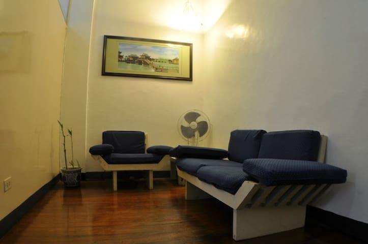 Pocket Friendly Room in Makati