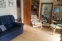 Comfortable double room   in leafy Putney