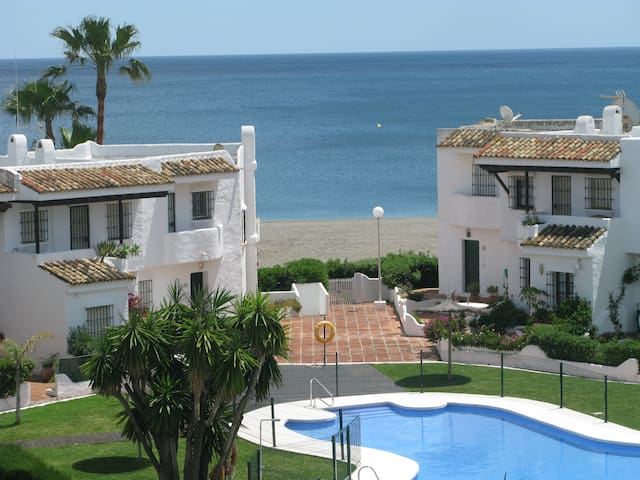 Beachapartment in Manilva with fantastic Seaview - La Chullera - Departamento