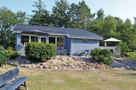 Holiday cottage with 3 bedrooms on 100m² in Glesborg