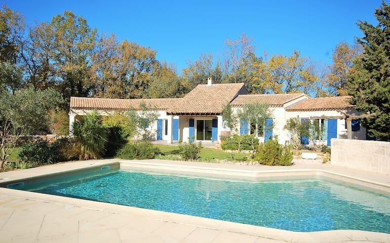 Location Chambres en Provence Verte Le Bastidon