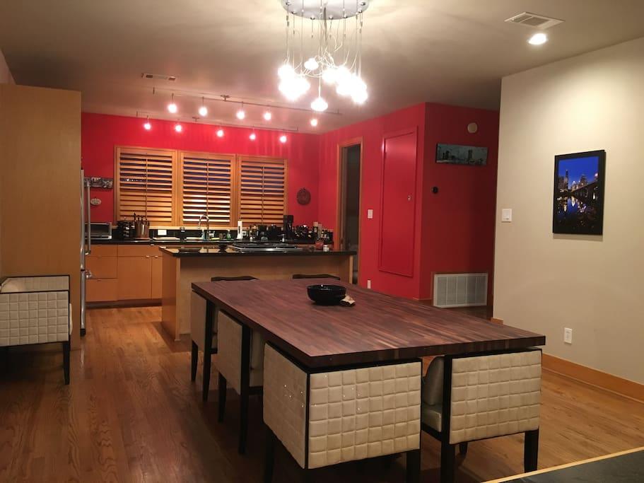 2nd floor dinning/kitchen
