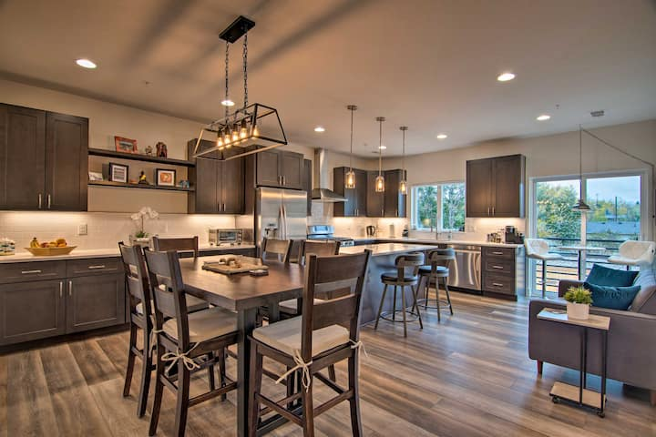 NEW! Modern Louisville Townhome in New Building!
