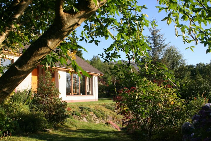 Cnoc Aluinn: Spectacular house & garden - Lochcarron