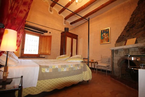 Comfortable en suite room with breakfast, pool