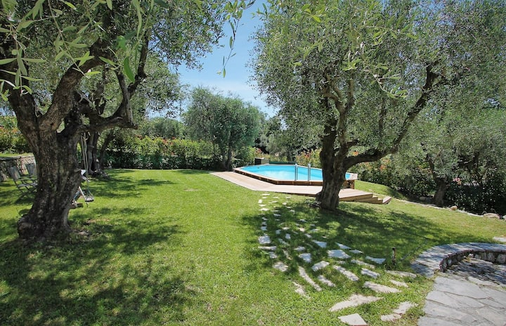 Newly renovated villa with private pool