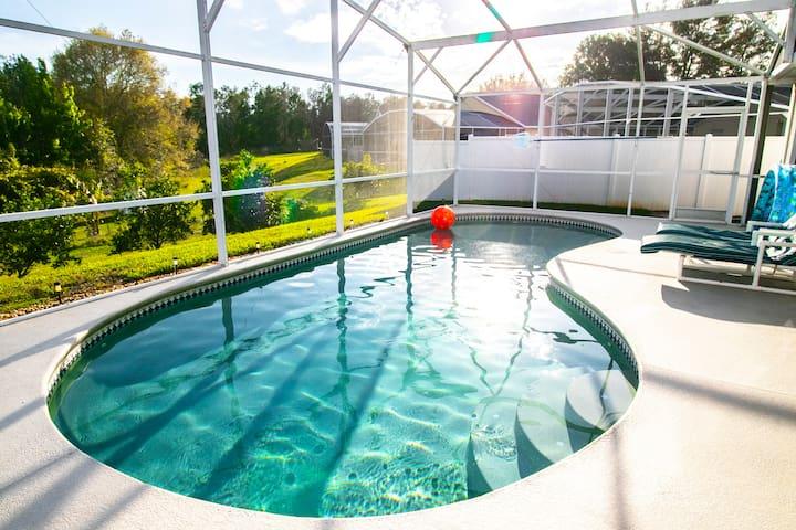 3 bdrm/ 3 bath Villa with private heated pool