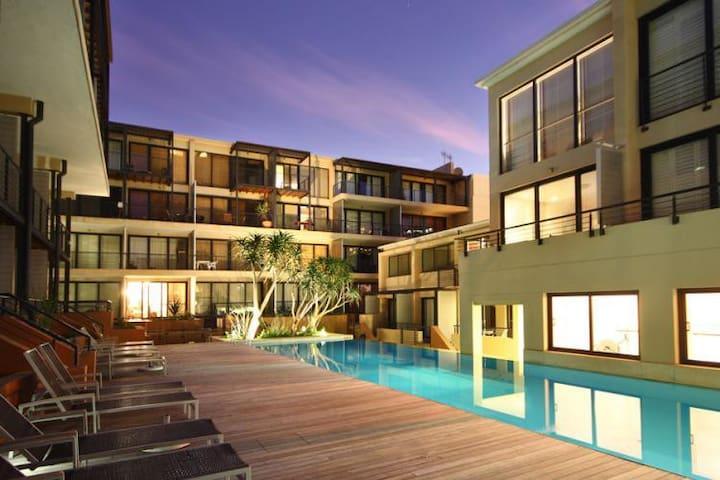 Trendy, Modern, Central City, Pool, Gym, Airco