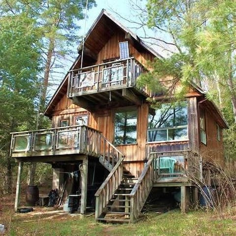 Rustic Cabin for Rent North of Kingston