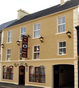 Atlantic Guest house, Main St ,  Donegal Town - County Donegal - Bed & Breakfast